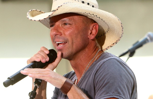 Kenny Chesney Heads to Game 1 of the World Series